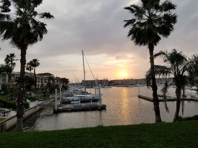 Beautiful Waterfront Marina property close to NASA
