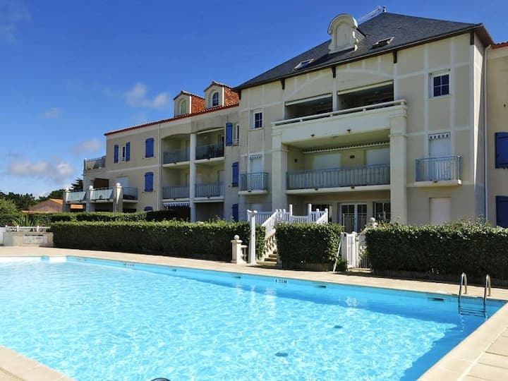 Beautiful two bedrooms flat, 50m from the beach