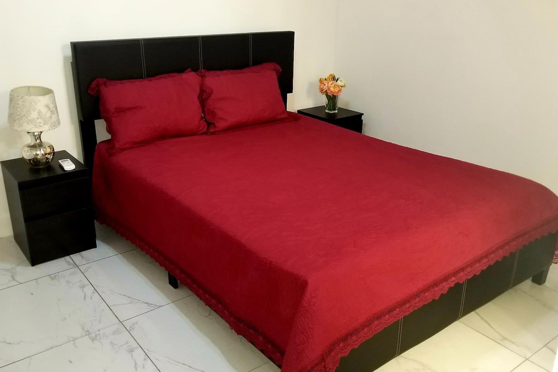 Habitación donde se puede poner colchón inflable.  Capacidad hasta 3 personas