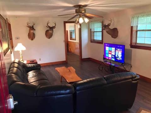 The Hunting Lodge at Circle T Ranch