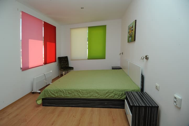 Спалня Апартамент 4 Теменужка