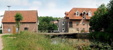 Studio 1. OG in historischer Wassermühle m. Balkon