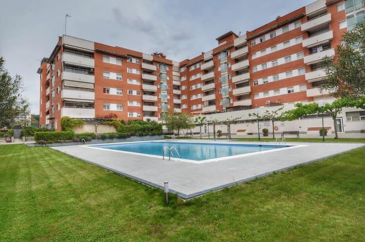 Swimming pool (Бассейн)
