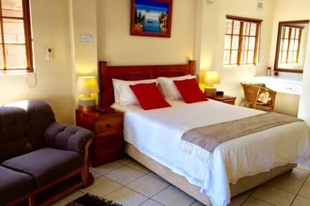 Splash Inn B&B room 3 - Durban North - Bed & Breakfast