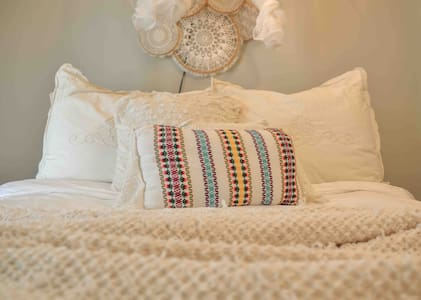 R&R Cottage 104 with a splash Romantic Boho Glam!