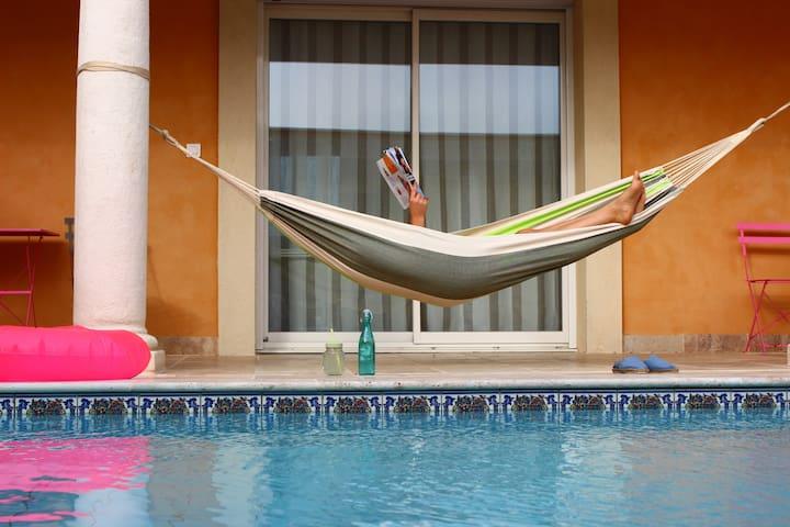 """Ferienwohnung """"BLAU"""" mit Pool"""
