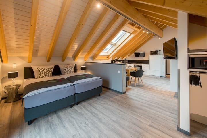 Modernes Dach-Loft für 2-4 Personen in Bensheim