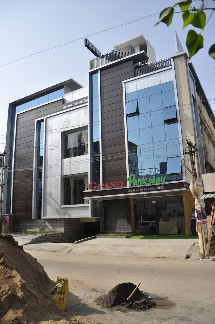 Comfort & Luxury stay near Tambaram Bus Stand