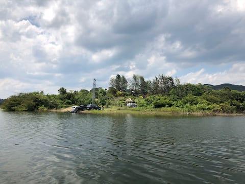 Cabana facing Lake Bao. Jet ski and boat tours