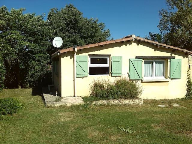 Petite maison au calme à la campagne.