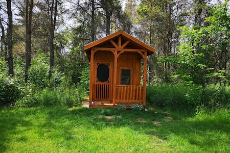 Atwood Glamping Bunkie, Hepworth, 3 Wooded Acres