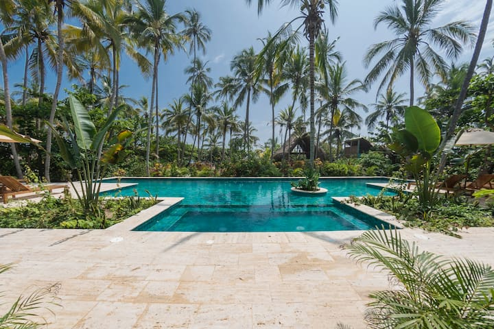 Cayena Beach Villa deluxe room frente al MarCaribe - ซานตา มาร์ตา - วิลล่า