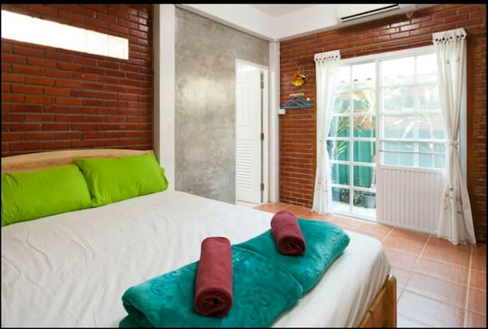 3Pax.Entire room in HomeStay/bath+Ac5min to Nimman