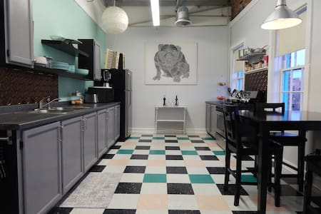Retro hipster Loft on Riverfront - Salisbury - Appartement