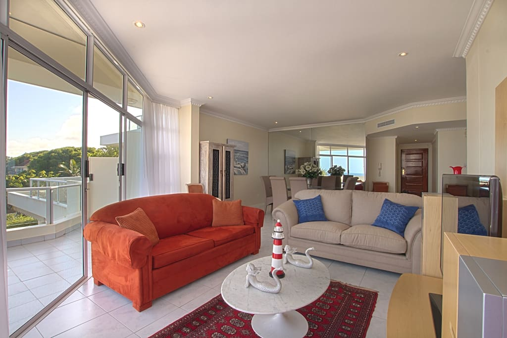 Contemporary 186 Sqm Spacious Beach Sea View Apartment