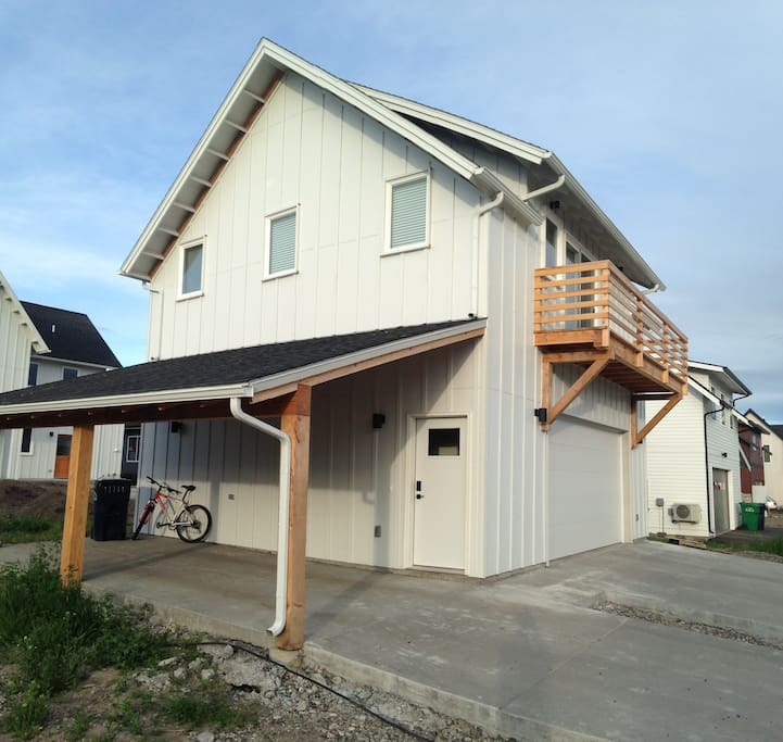 Royal antler newly built views apartments for rent in bozeman montana united states for One bedroom apartments in bozeman mt