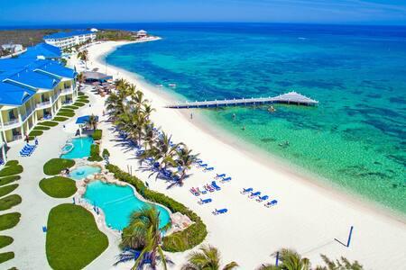 Breathtaking Beachfront Grand Cayman Island Studio