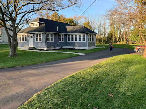 Perfect South Jersey Extended Stay (3 Bed/2 Bath)