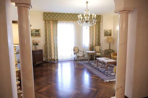 Luxury Holiday Home Belinda