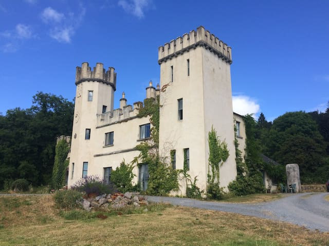 Unique castle in beautiful surroundings