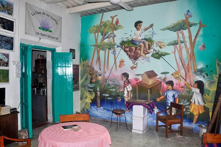 "Mural ""Resistencia"" Julio Yam"
