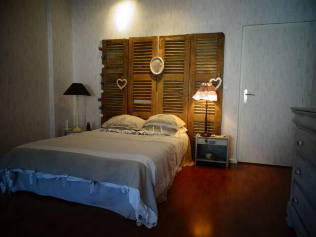 Spacieuse chambre cosy - salle de bain privative
