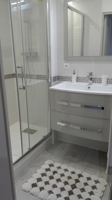 Agr able appartement bord du rh ne apartments for rent in guilherand granges auvergne rh ne - Appartement guilherand granges ...