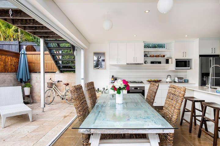 Stylish Sunny Modern Lower Duplex