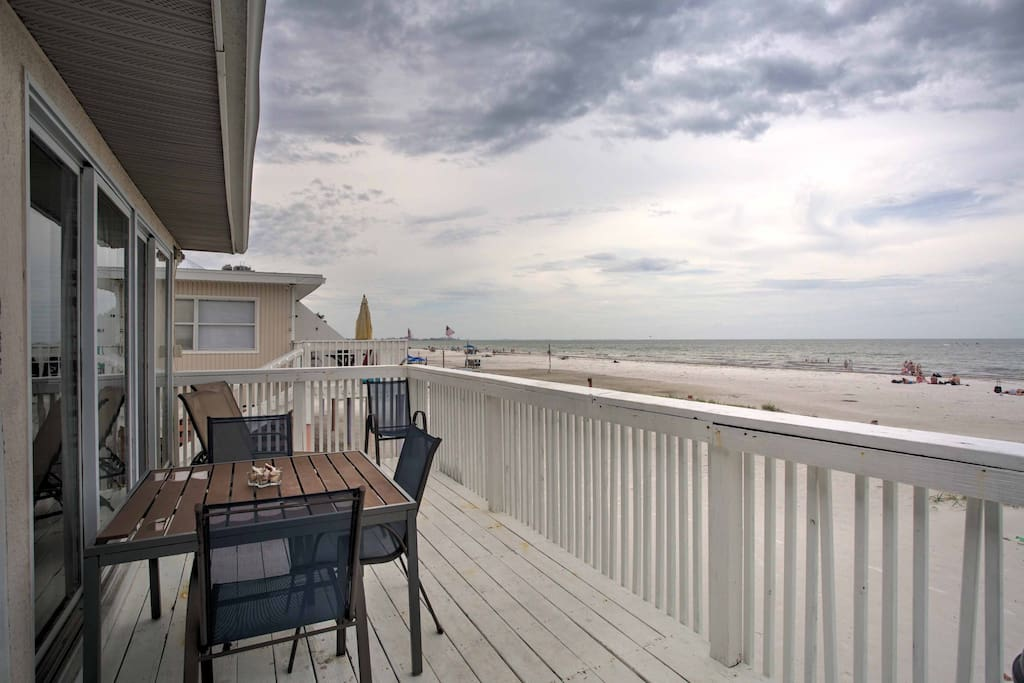 The 3-bedroom, 1.5-bathroom unit sits directly along the shoreline, offers breathtaking panoramic views and sleeping accommodations for 6.