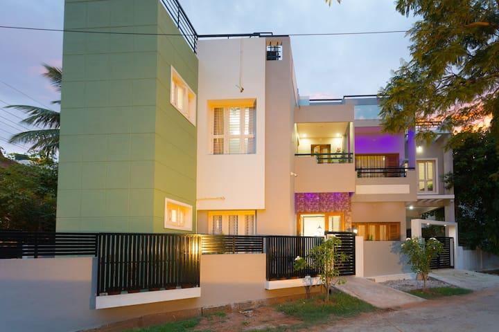 3 Bedroom Private Apartment, Mysore