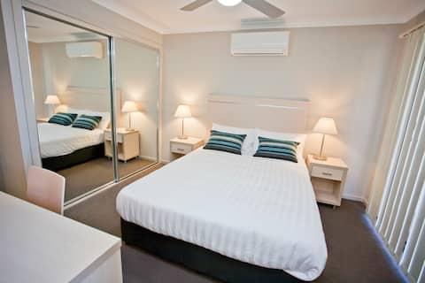 1 Bedroom Condo@ Stonewood Villas