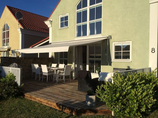 Villa i centrala Visby - Visby - House