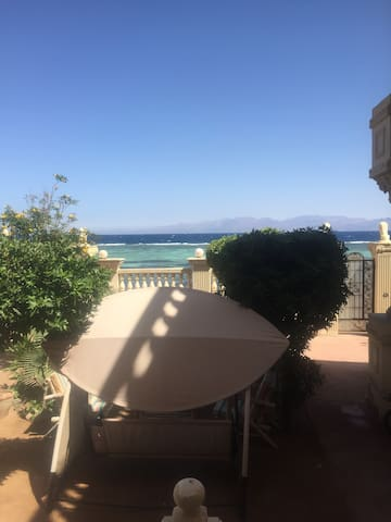Classy apartment with Direct Sea View, Dahab