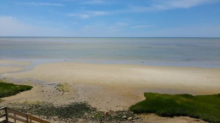Spectacular Beach Front Home on Cape Cod Bay - Brewster - Casa