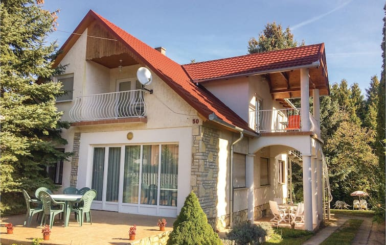 Holiday apartment with 3 bedrooms on 80m² in Balatonföldvár