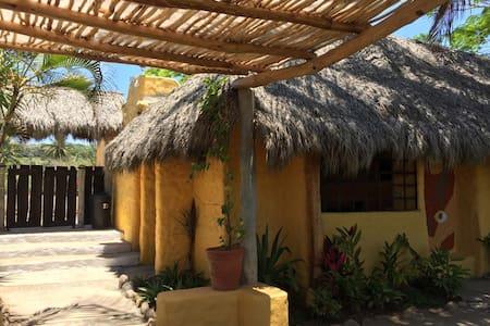 Casa Arena cabañita rústica en playa virgen for3★