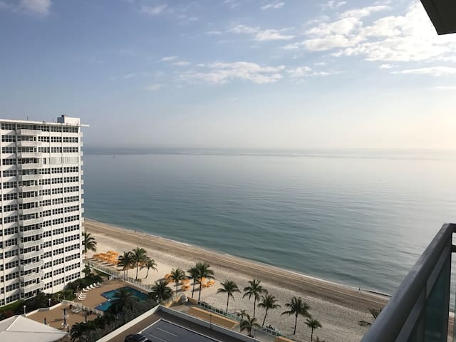 ocean view and private beach - Fort Lauderdale - Apartment