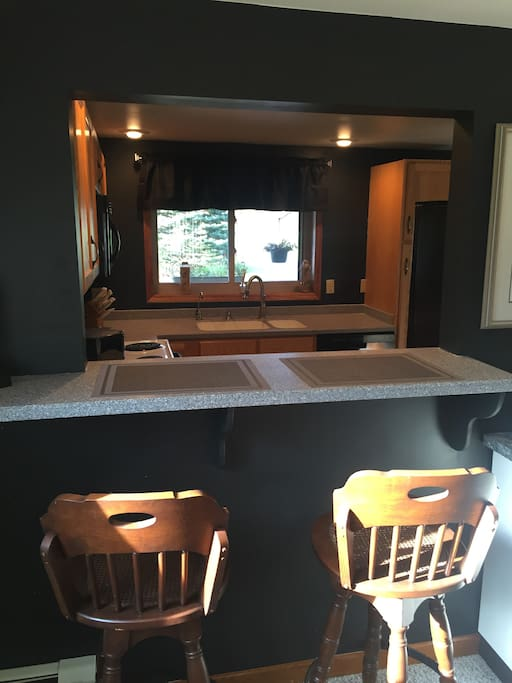 Counter Area w/Stools
