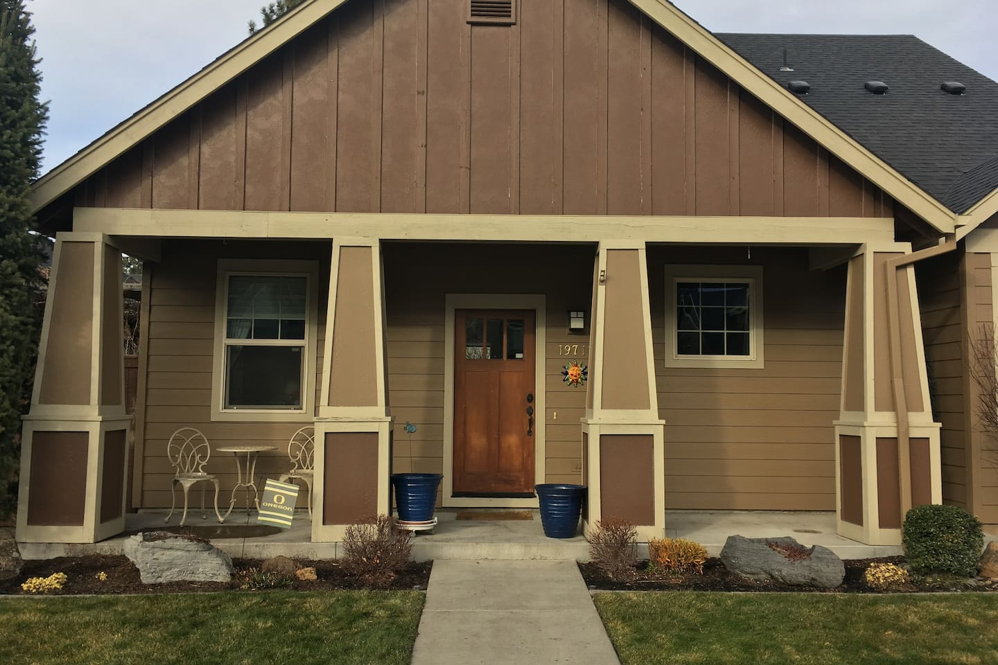Family friendly, recently remodeled 4 bedroom/2.5 bath home in beautiful neighborhood