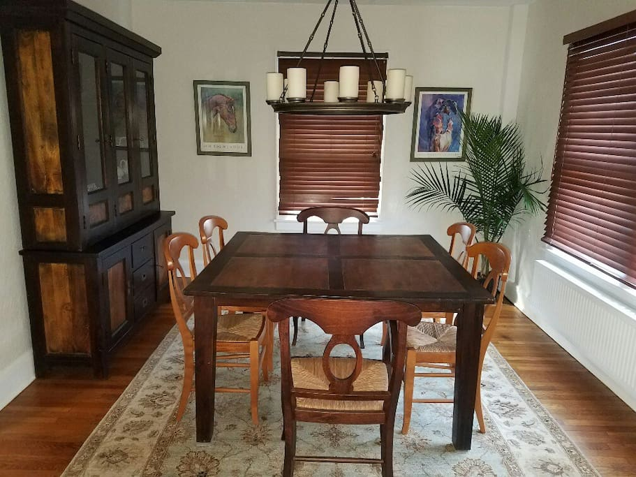 Private rooms in somerville centrally located 1 houses for Best private dining rooms nj