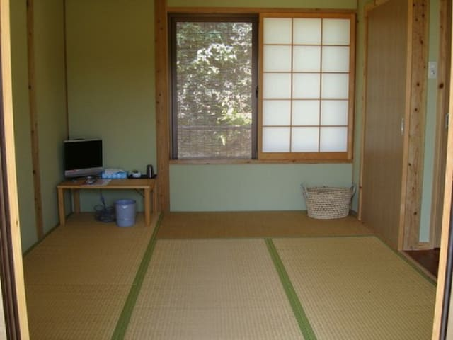 Single trip Japanese style 6 tatami (non smoking)