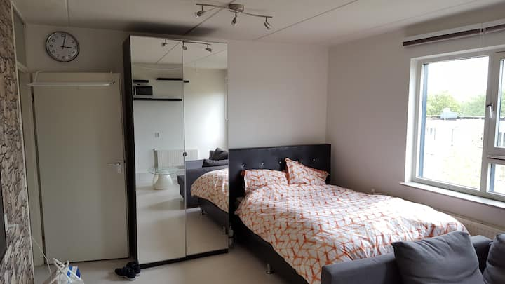 Studio apartment (max 4p) near Amsterdam Arena