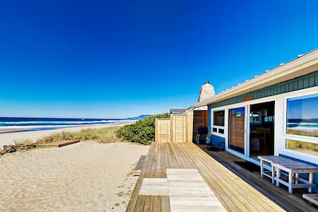 """Rockin' Away Beach House"" with Ocean-View Deck"