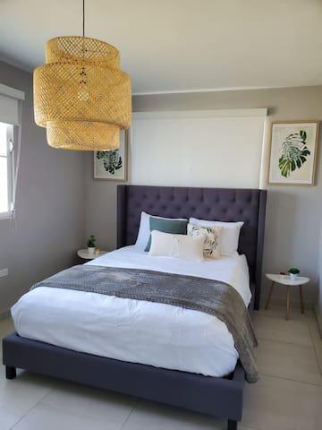 Bedroom #3, Queen Mattress (Tropical Decor)