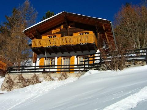 Chalet Charly-Ferienhaus mit herrlichem Bergblick