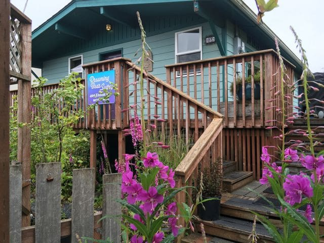 Downtown Sitka Dreaming Bear Suites - Sitka - Apartment