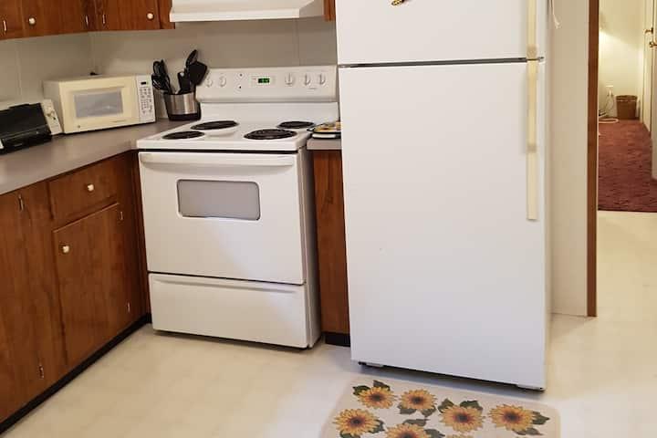 Unit w Full Kitchen Near Lake Allatoona Acworth