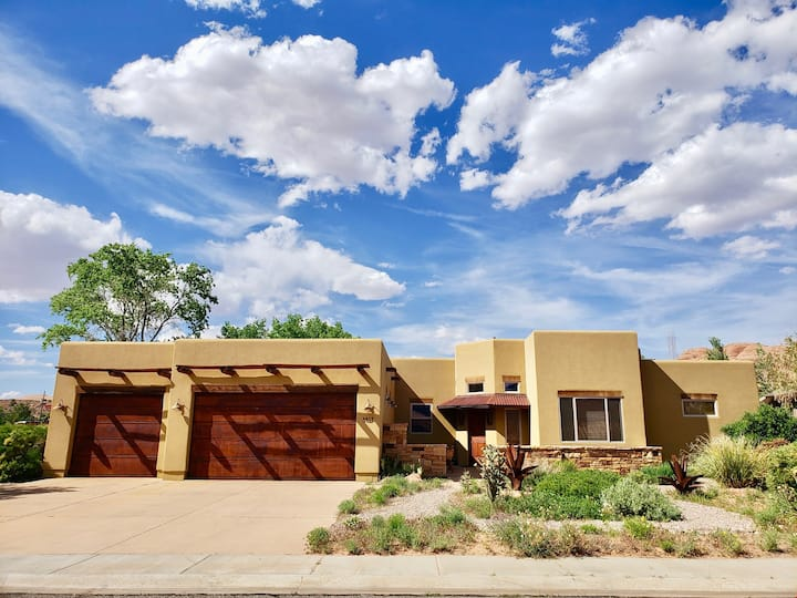 Beautiful Stand Alone Home With Amazing Views and Private Hot Tub! Moab House 3417 - Moab House ~ 3417