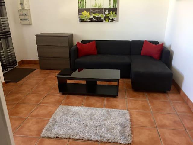 Appartement indépendant dans villa - Corbère - House