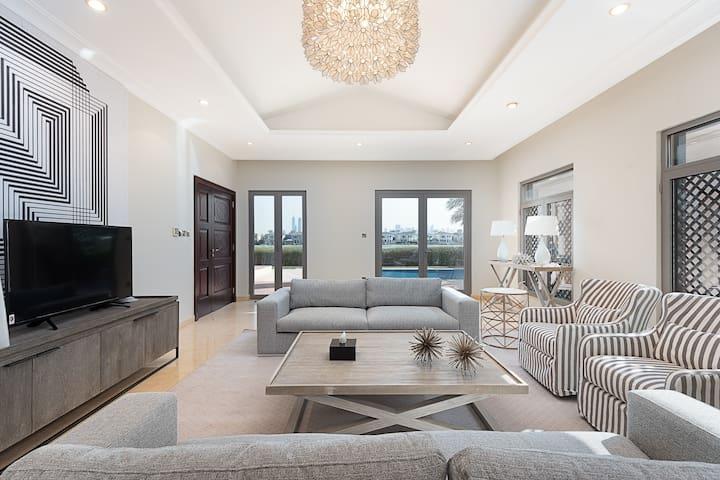 Exclusive Villa w/Dramatic Vw Private Beach & Pool